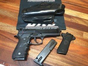 Pistol Beretta 92FS 9x19